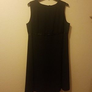 Basic black sleeveless dress xxl